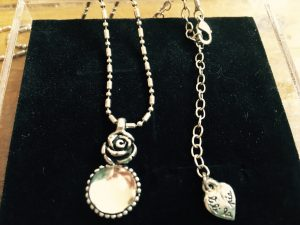 collier-pendentif rose et opale