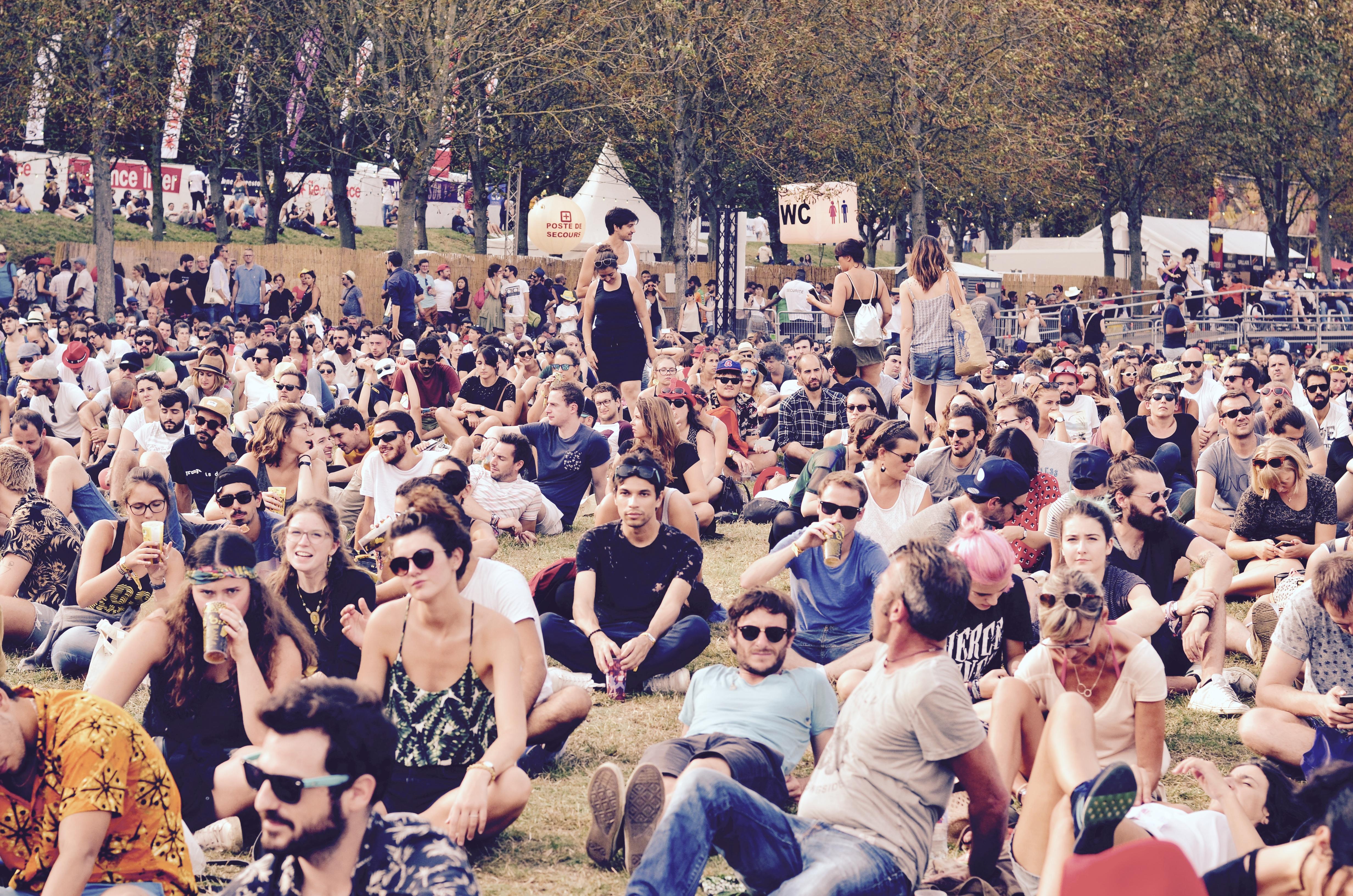 Festivaliers Rock en Seine 2017 chill pelouse