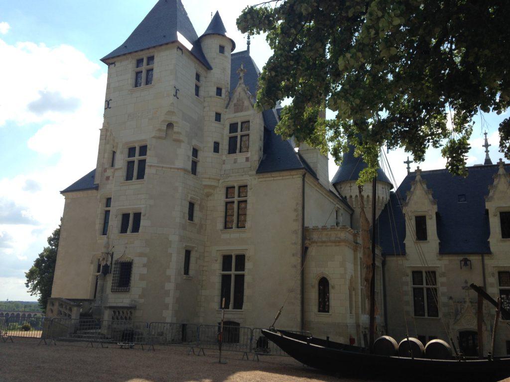 Le château du domaine de Candé près duquel se déroule le festival Terres du Son